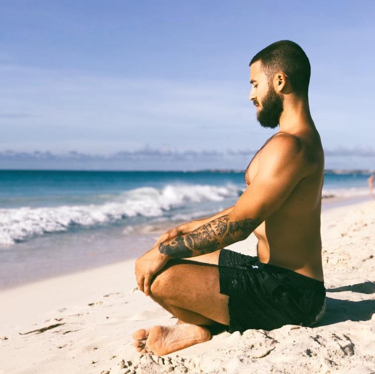 Shirtless-Men-Meditating